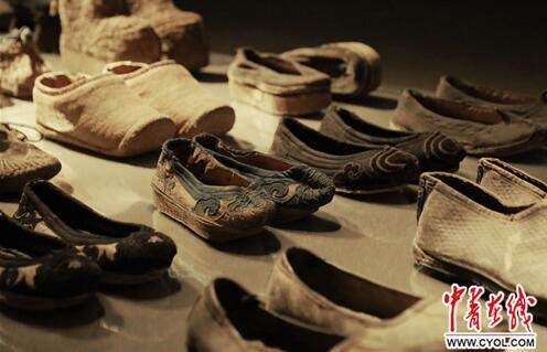 鞋尖上的百年中国