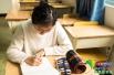 """高校女生开设""""解忧树洞"""" 用绘画形式解答同学疑惑"""