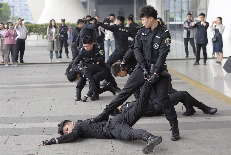 杭州东站枢纽组建反恐巡逻队