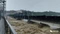 8000吨火车开上涪江大桥抗洪 第一次这么做!