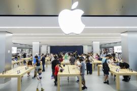 新iPhone发售:普通版遇冷 iPhone Xs Max版热卖