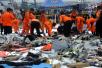 印尼失事客机未空中爆炸 已捞起部分死者遗体