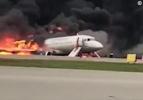 一架俄罗斯客机空中起火迫降 造成至少13人死亡