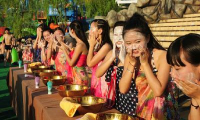 杭州万人素颜相亲 女生当场洗脸男生测胸围-中国搜索