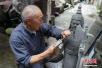 重庆七旬老人花40年雕刻四大名著人物石像(图)