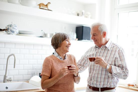 """德国出现新型养老方式 """"同居养老""""受追捧"""