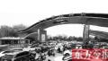 记者体验郑州停车难 省人民医院非法停车场开口要价20元