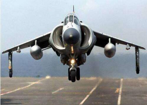 图:英国鹞式垂直起降战斗机