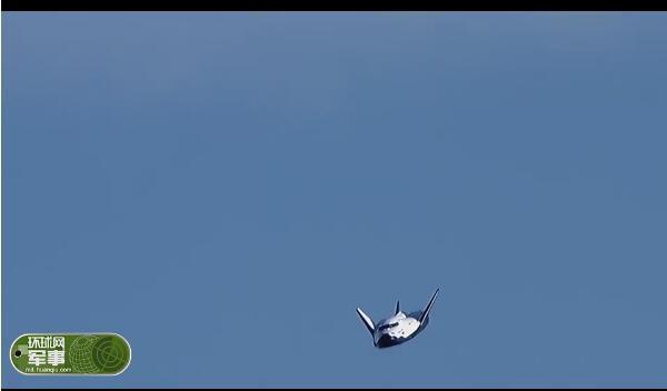 天上掉下个航天飞机