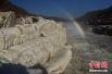 冬日的黄河壶口让人震撼 再现冰瀑彩虹景观