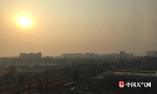 今年首轮大范围雾和霾持续 华南重回20℃
