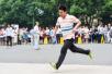 """广东一高校开发小程序督促学生锻炼:""""日行万步""""才达标"""