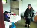 济南:下场雨河水倒灌 东宇大街宿舍区水浸床板