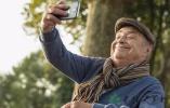 瀋陽超九成中老年人會微信聊天 他們轉發的不只是養生保健