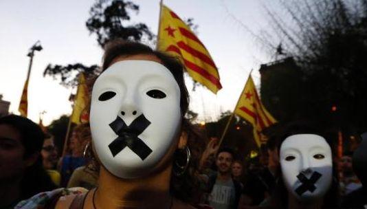 西班牙 加泰罗尼亚公投闹剧使经济受创
