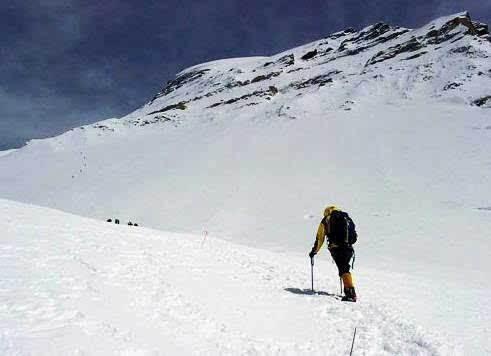 尼泊尔:9名登山者死于道拉吉利峰南坡雪崩