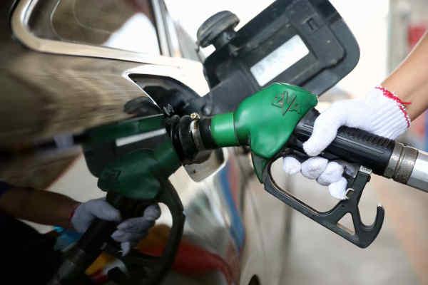"""本轮成品油零售限价""""四连涨""""已成定局 多地再次进入""""8元""""时代"""