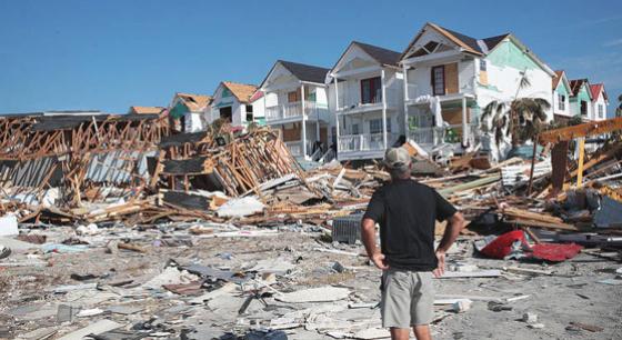 """飓风""""迈克尔""""过后 灾民家园成废墟"""