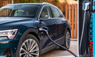 电动汽车需求猛涨 电力公司如何抓住创收机遇?