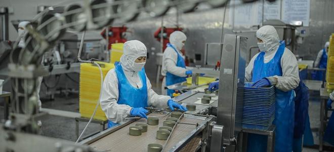 山东荣成:罐头企业加紧生产驰援湖北