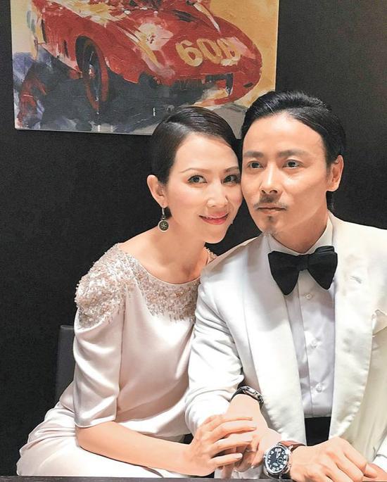 蔡少芬出席活动被问旧爱吴奇隆 张晋不耐烦翻白眼