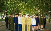 大学生穿建国后6款警服拍毕业照走红