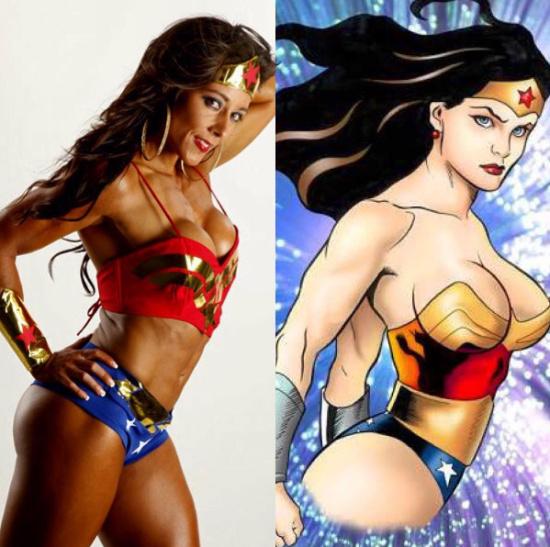 """瑞比卡的健美身材堪比著名漫画角色""""神奇女侠"""".图片"""