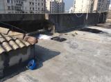 南京一男子在11楼楼顶施工时 不慎失足坠亡
