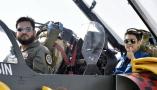 中巴对抗训练:双方飞行员同乘彼此战机,深度交流