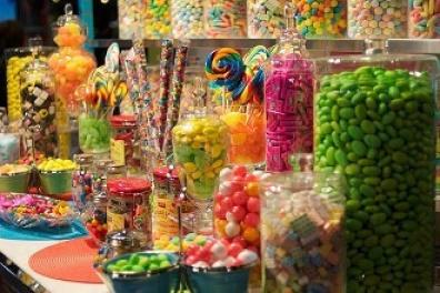 万圣节前超市糖果热销 热门款同比去年最高涨四成