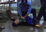浙江民警做心肺复苏救回溺水阿姨:想起了心跳骤停离世的母亲