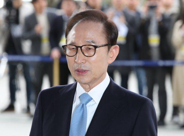 PK10全天计划网页版:韩国检方计划明日起诉李明博 罪名:受贿、贪污、滥用职权等!