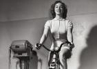 上世纪女性健身风采旧照