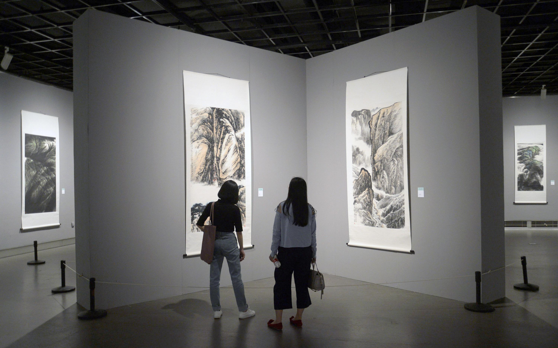 胡铁铮山水画作品展在杭州举行