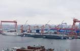 中国国产航母即将首次海试?现场照片曝光
