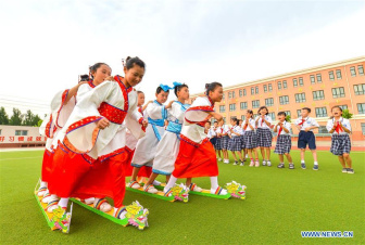 Activities held to celebrate upcoming Dragon Boat Festival