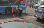 北京一跑车撞倒交警后快速驶离 肇事车辆已找到