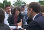 """马克龙亲自教训""""熊孩子"""":你要叫我""""法国总统""""或是先生"""
