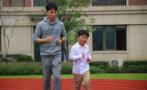 一年級娃體重80斤,數學老師每天陪跑20圈一個多月瘦7斤