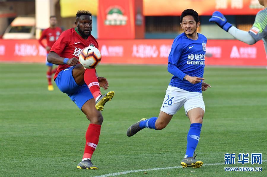 (体育)(27)足球——中超:上海绿地申花胜河南建业