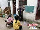 鲁山退休教师辛长锁:大山里疫情期间的一盏灯