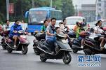 骑电动车不戴头盔会被罚吗?河北省交管局回应……