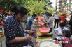 端午节学雷锋 长房东郡小区举行社区活动