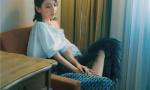 佟丽娅登杂志封面 异国夏日写真展现时尚魅力
