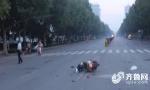 山东一女司机开车碾轧摩托车主后逃逸 事后称没觉得轧了人