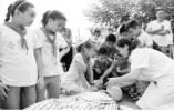 安徽合肥:中小学生开展暑期防溺水活动