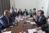 中俄外长会见:朝核问题须和平方式解决