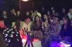 王思聪被曝洛杉矶包夜店狂欢 辣妹环绕坐陪显壕气