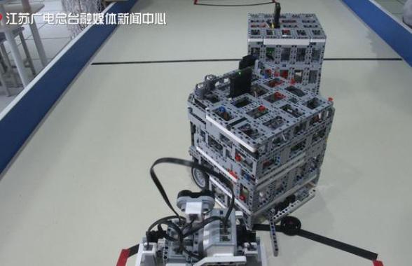 厉害了南京娃!捧回国际青少年机器人赛亚军