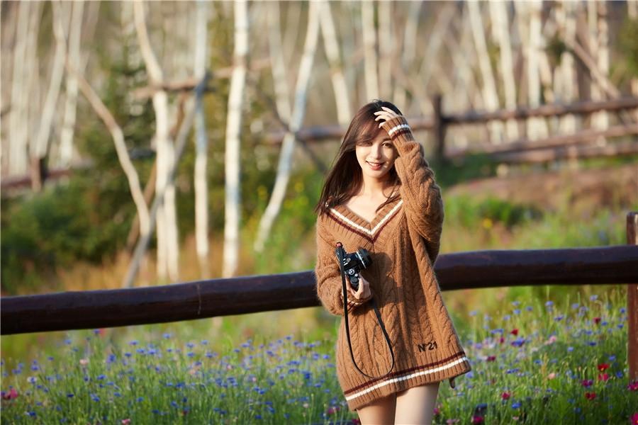组图:李菲儿笑容甜美 化身冬日暖阳魅力十足